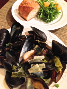 Mussels with Leeks and Cream