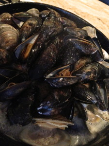 Mussels in Cod with White Wine